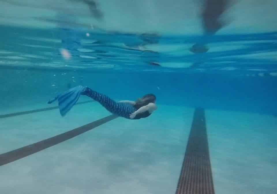 Become a Mermaid in Chicago with Aqua Mermaid